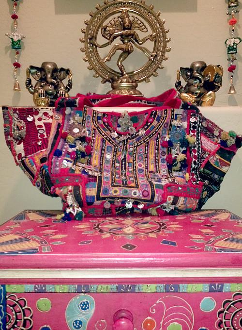 Exclusive P.H.A.T Black Handbag Rs.1499 Rs.1050 -30