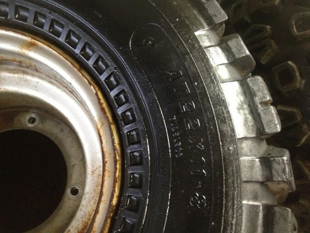 ATC Honda 200M 200E 200ES Pair Rear Rims Wheels Tires Carlisle 22 x 11