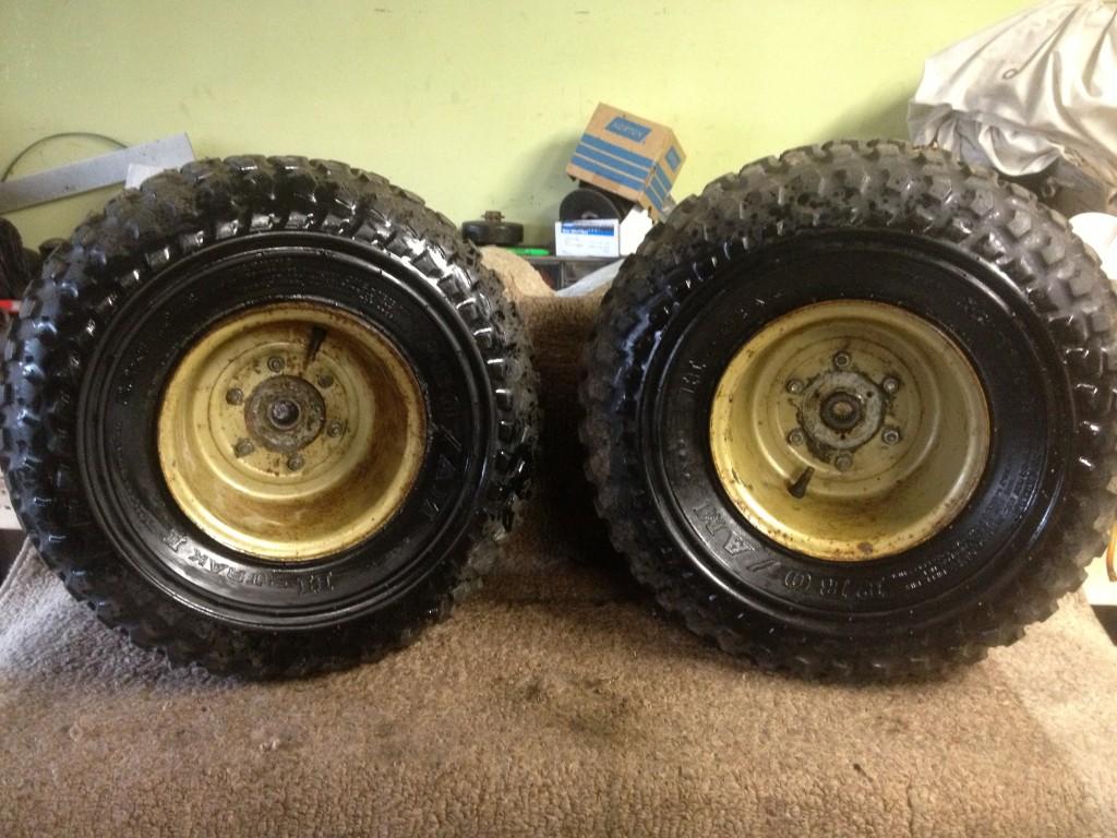 81 82 Honda ATC 250R 250 R Pair Rear Wheels Rims Hubs Pro Am 22 x 11 8