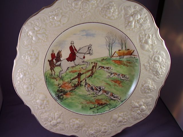 CROWN DUCAL FRANK PHILLIPPS HUNT SCENE CABINET PLATE