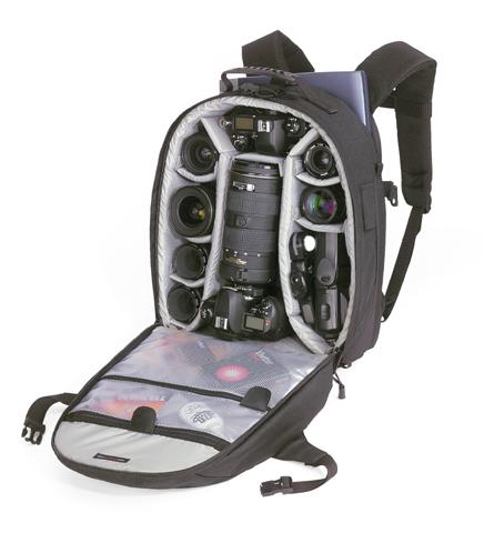 В такой сумке можно хранить настоящую переносную фото-студию, к тому же...
