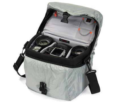 ...чехол AII Weather Cover защищает сумку от непогоды, песка и пыли.