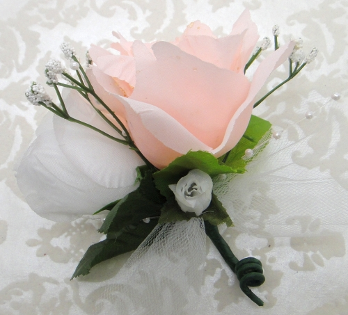how to make a corsage with silk flowers