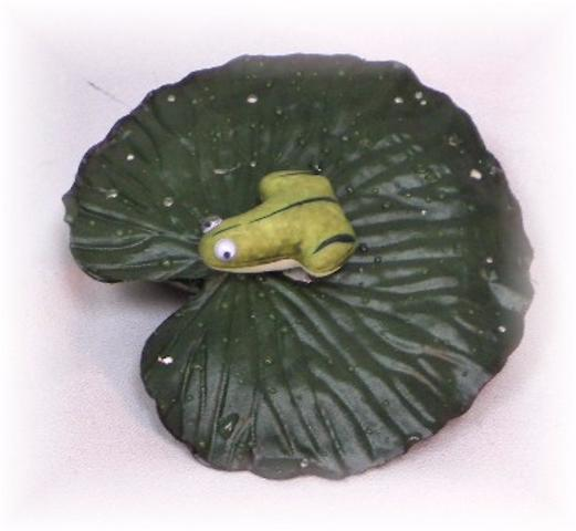 Silk floating water lily leaf w frog for pond fountain ebay for Artificial pond water