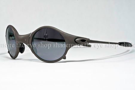Old Oakley Sunglasses Models http://www.ebay.com/itm/NEW-OAKLEY-SUNGLASSES-MARS-X-Metal-Black-Iridium-04-103-Rare-Vintage-Serial-/120794337816