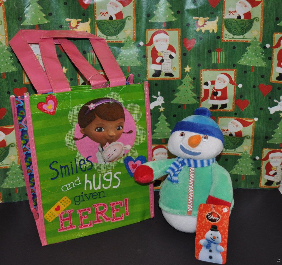 NEW-DISNEY-DOC-MCSTUFFINS-8-034-CHILLY-CHRISTMAS-HOLIDAY-PLUSH-GIFT-BAG-SOFT-TOY