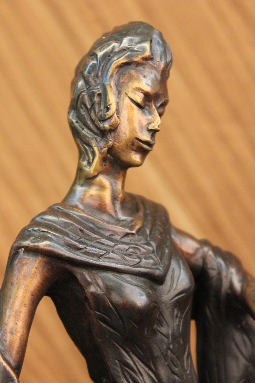 Clearance bronze sculpture statue 19 tall high fashion model designer deal a - Mobeldesigner italien ...