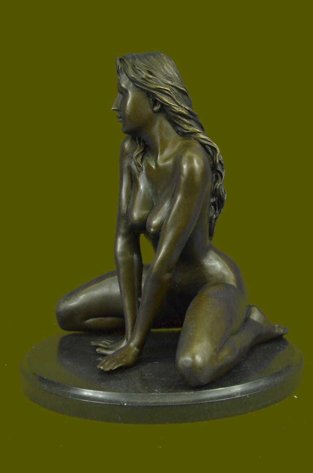 statui-golih-zhenshin