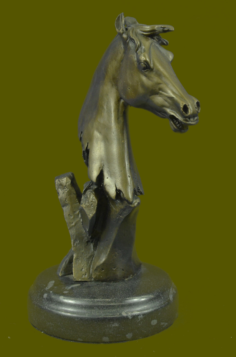 Abstract horse head sculpture - photo#11