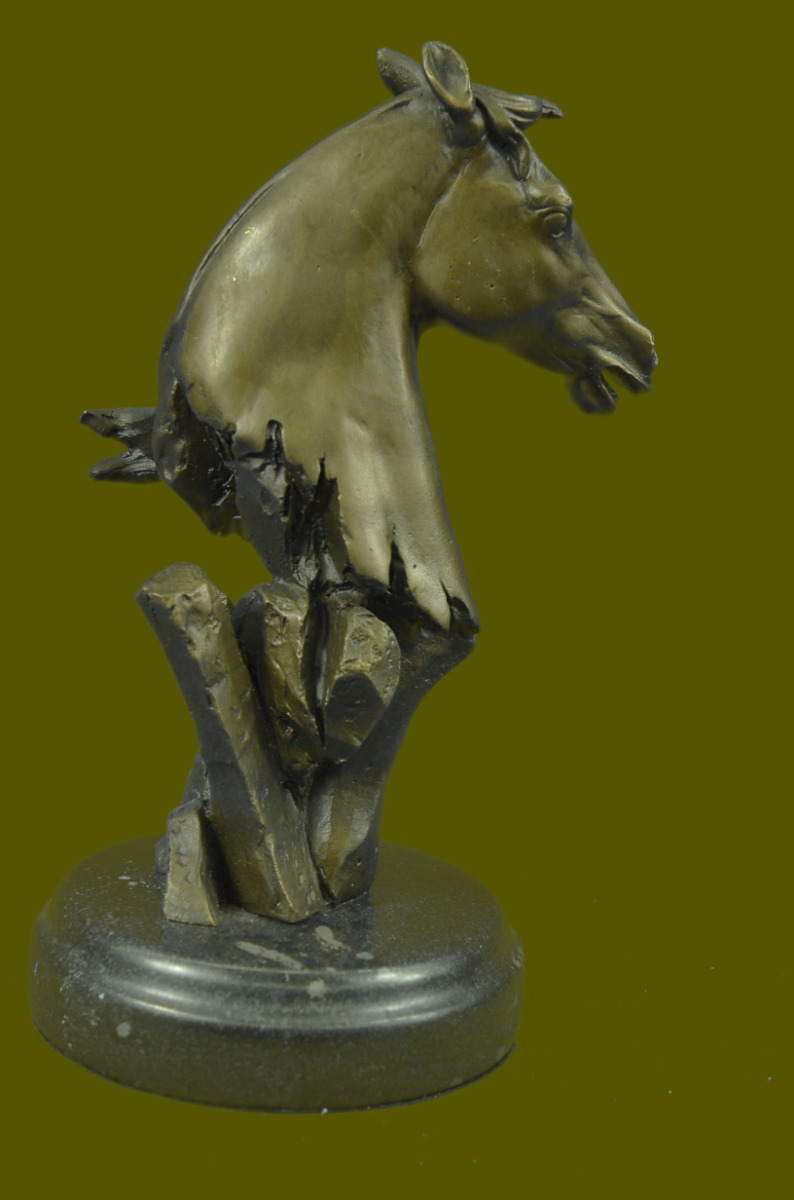 Abstract horse head sculpture - photo#10