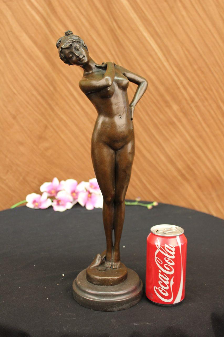 bronzeskulptur erotik nackte frau franz sisch ist. Black Bedroom Furniture Sets. Home Design Ideas