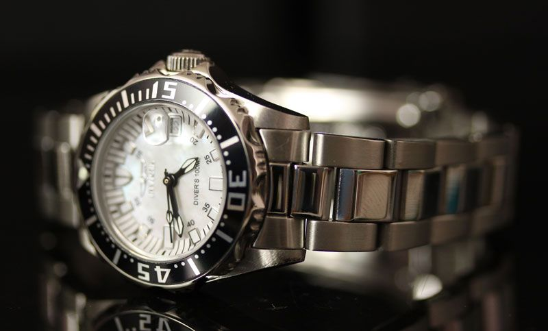 Invicta Womens Pro Diver Lady Abyss Mother of Pearl Dial Stainless