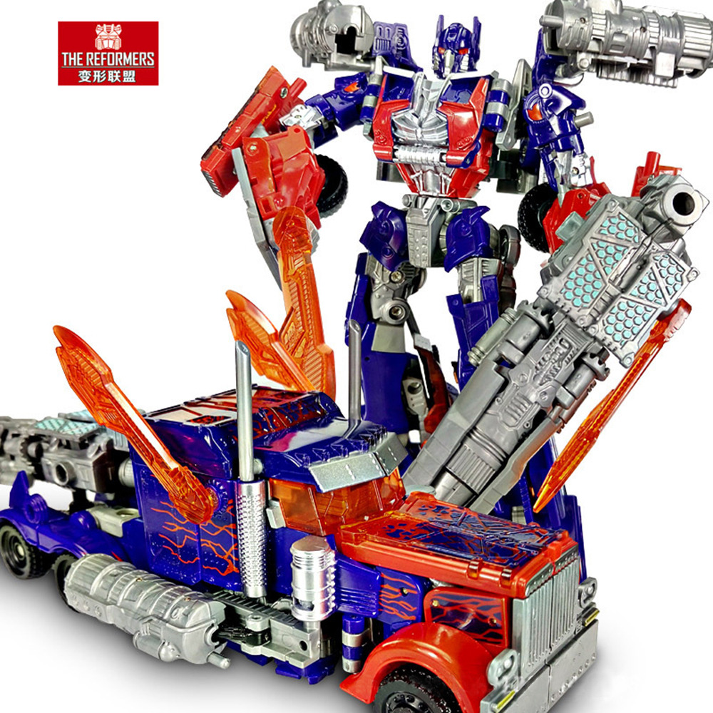 Best Transformers Toys And Action Figures : Transformers movie voyager optimus prime action figure toy