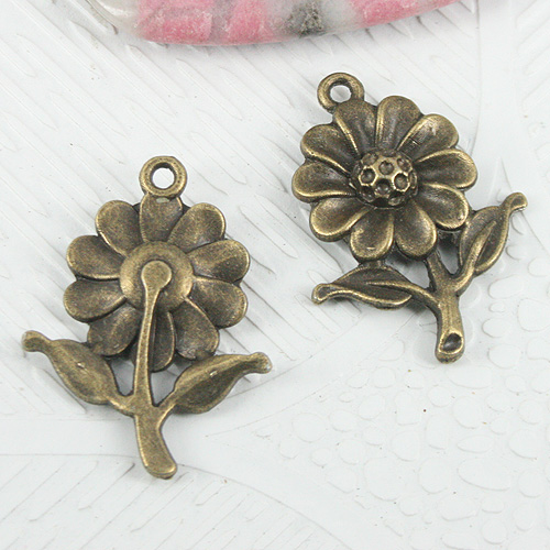 8pcs antiqued bronze finish leaves on  pendant G53