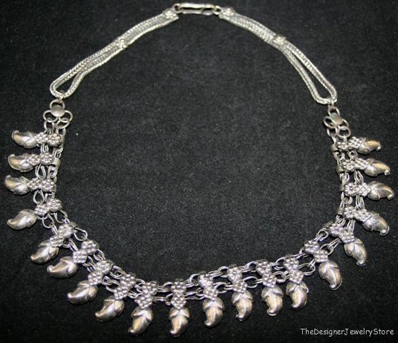 Vintage Necklaces & Pendants