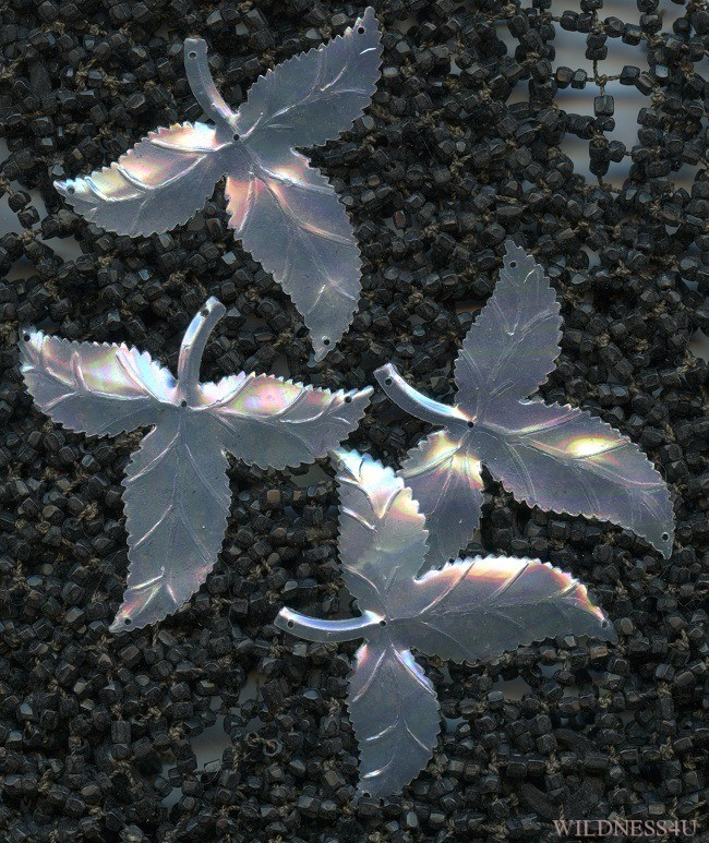 VINTAGE FRENCH COUTURE PEARL IRIDESCENT AB Peekaboo LEAVES LEAF CHARMS 44mm LOT
