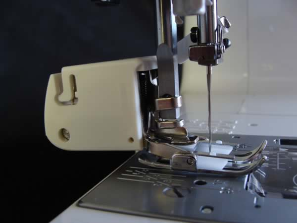 How To Attach Your Walking Foot And Other ScrewOn Feet To Your Custom How To Put A Foot On A Sewing Machine