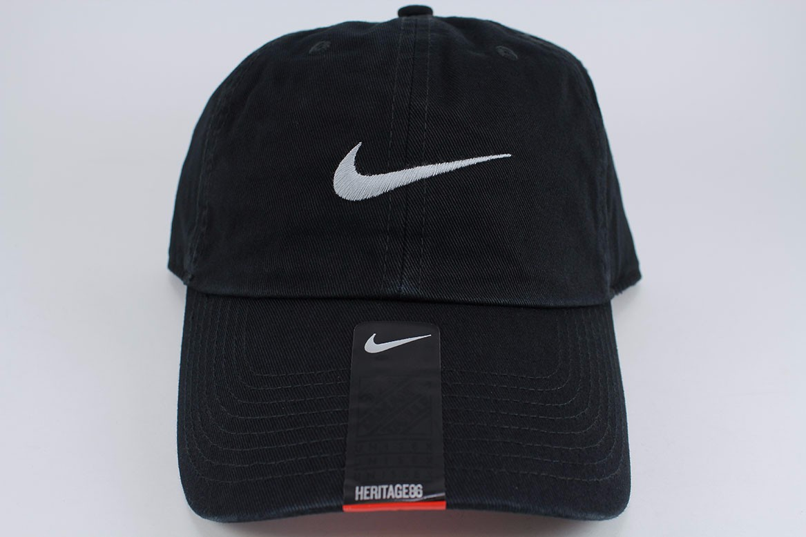 NIKE SWOOSH HERITAGE 86 ADJUSTABLE CAP HAT BLACK WHITE COTTON ... 92da4517ade0