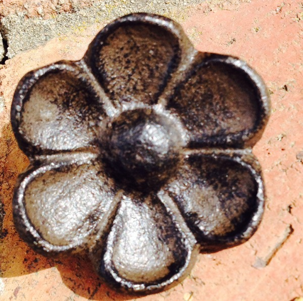 Rustic Brown Cast Iron Flower Cabinet Knobs Drawer Pulls  Distressed 1BF