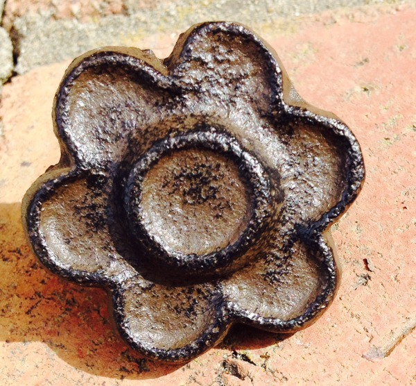 Cast Iron Cabinet Knobs Flower Shaped Drawer Pulls Rustic Brown  12 BF