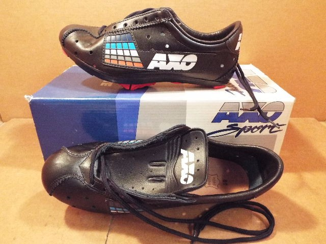 New-Old-Stock AXO Master Pro Cycling Shoes ...Drilled for LOOK//SPD-SL Size 40