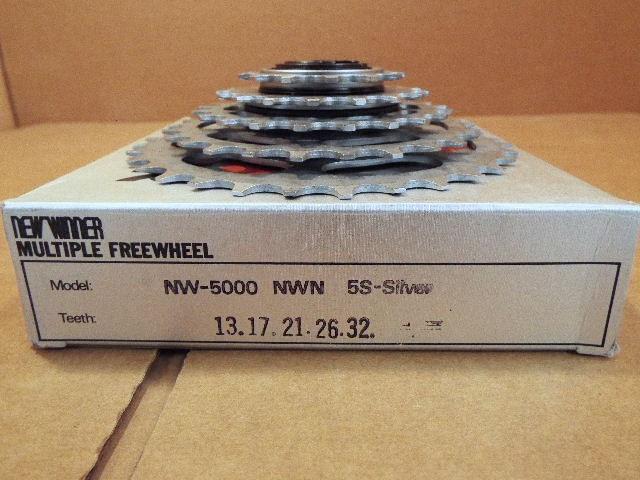 13x30 w//Silver Finish New-Old-Stock Suntour New Winner 5-Speed Freewheel
