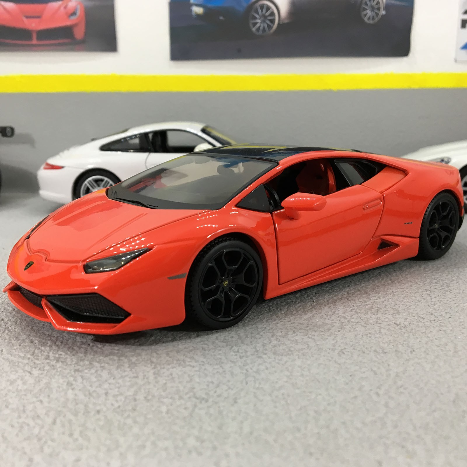 Lamborghini Huracan Lp 610 4 Red 1 24 Scale Die Cast Model Car Ebay