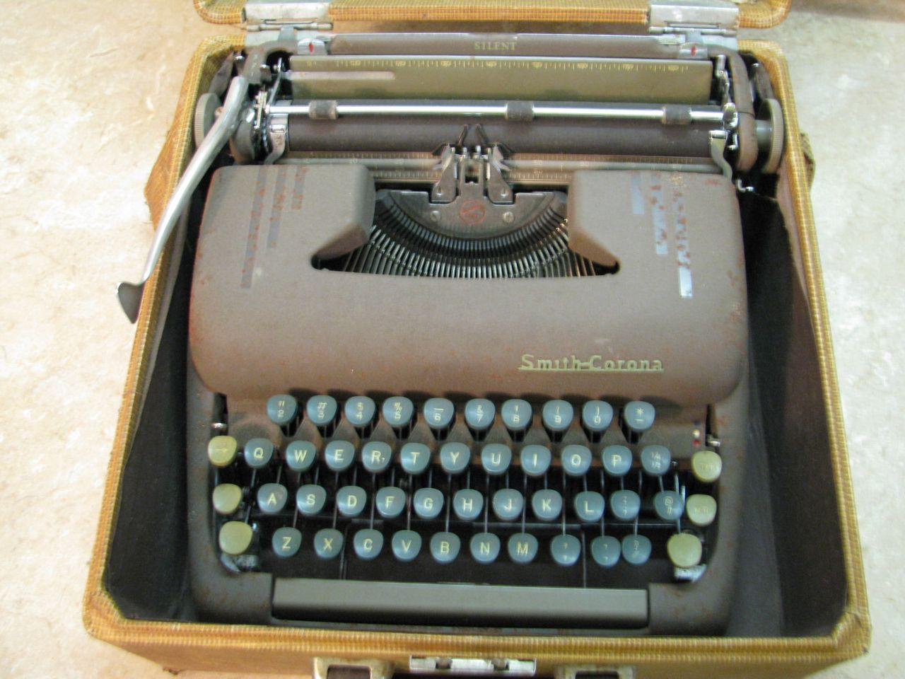 Smith Corona Typewriter Vintage 27