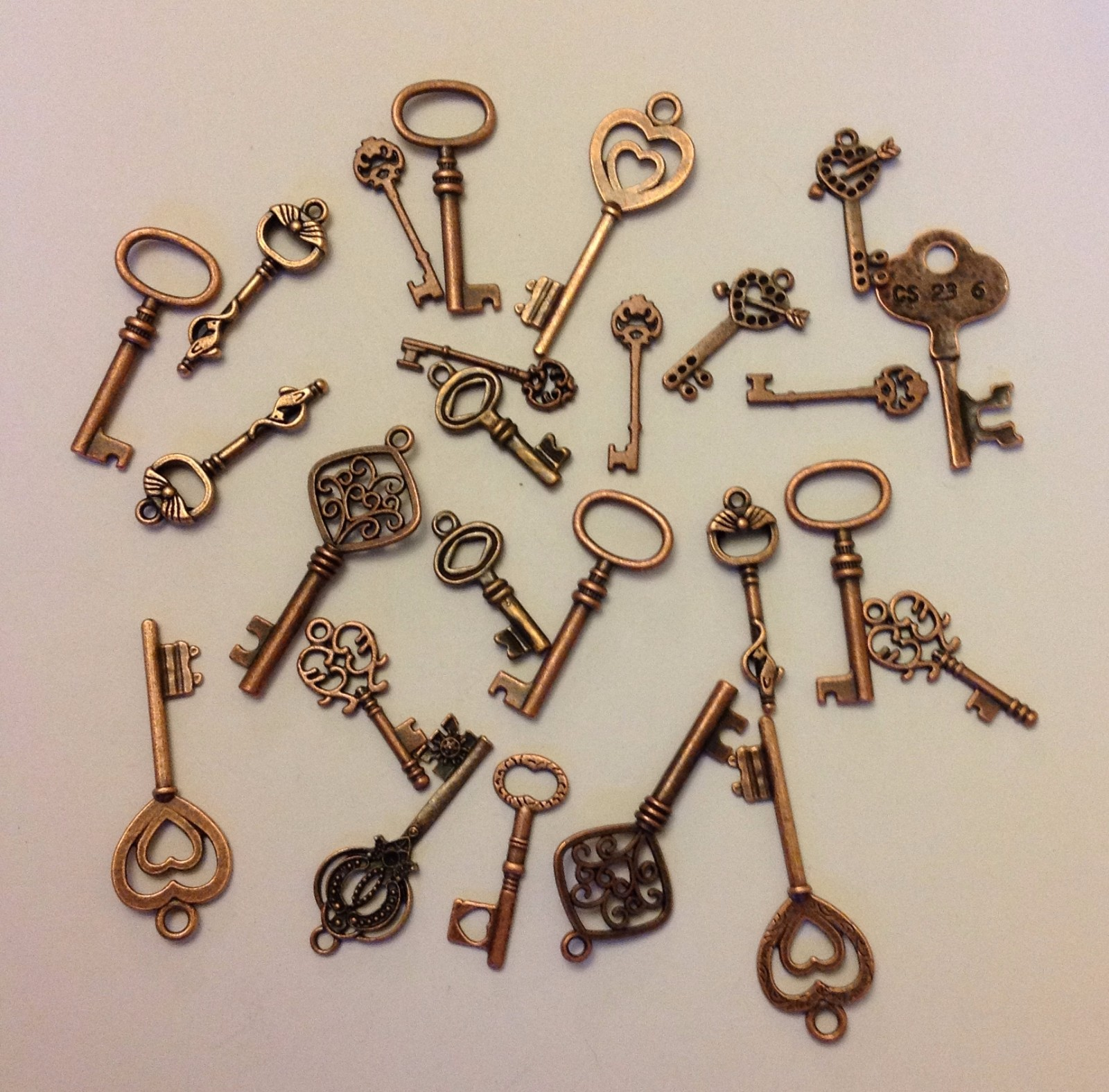 100g Keys Steampunk Gothic Mix of Sizes Charms Pendants Parts Jewellery