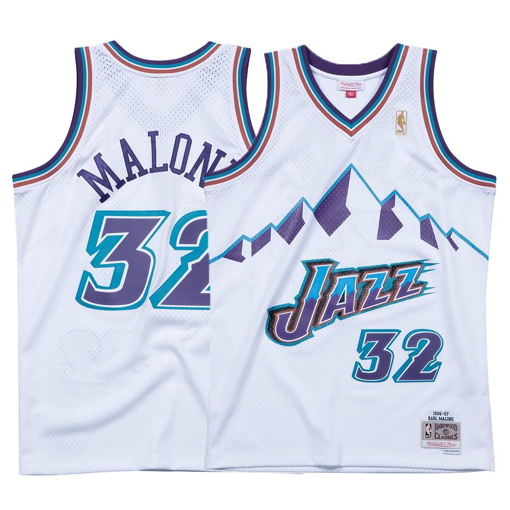 e48e241d224 Karl Malone NBA Utah Jazz Men s Mitchell   Ness White 1996-97 Swingman  Jersey (3XL)