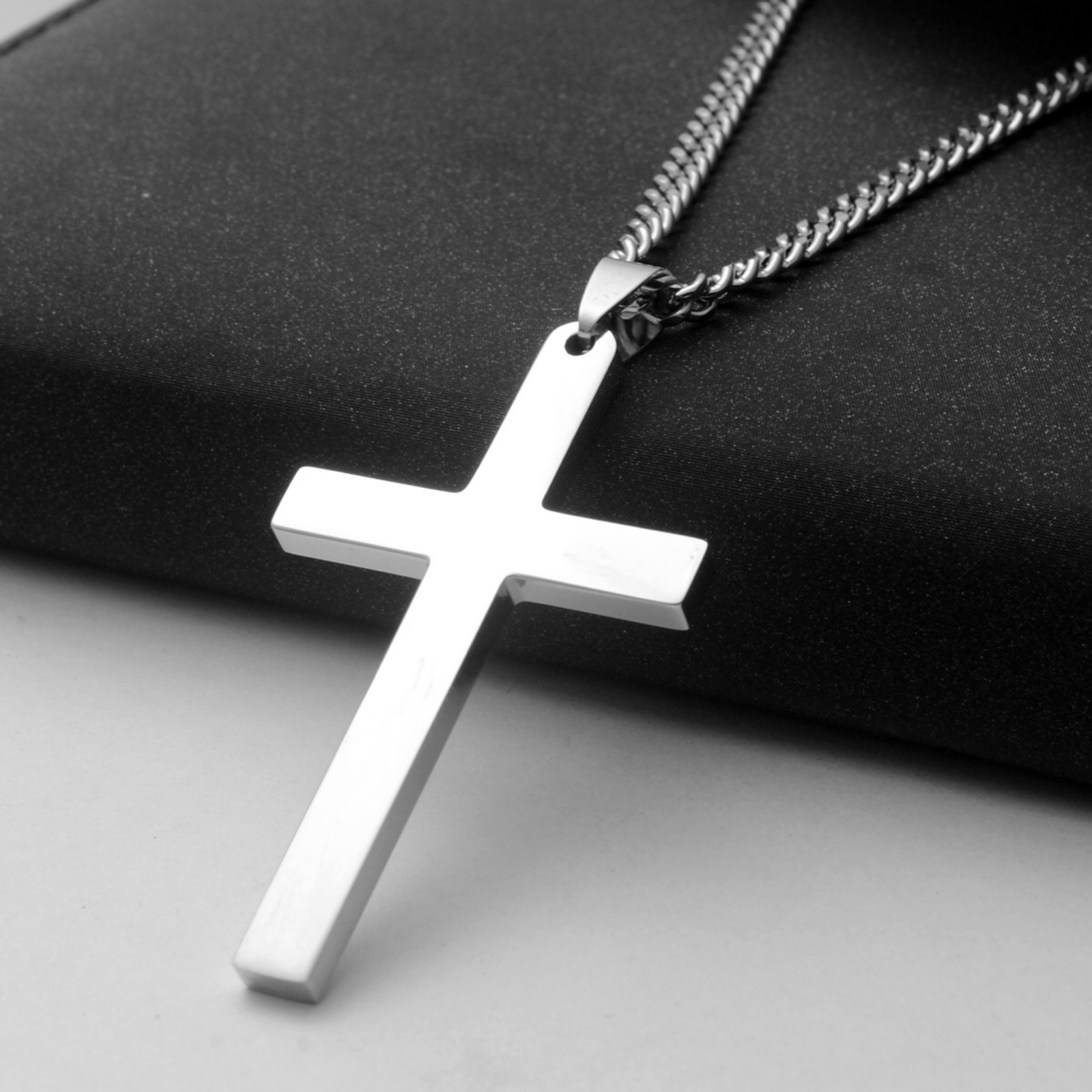 RUN Stainless Steel Rose Flower Cross Pendant Necklace Retro Jesus Crucifix Chain Necklace Pack of 1