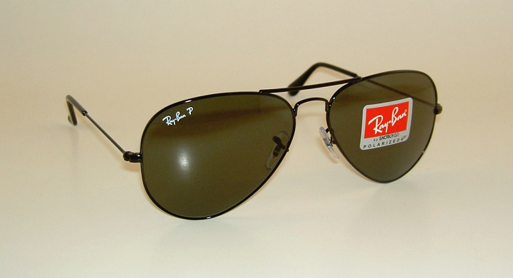 cf16e035902ce6 ray ban rb3025 aviator sunglasses 002 58 black green polarized lens 62mm