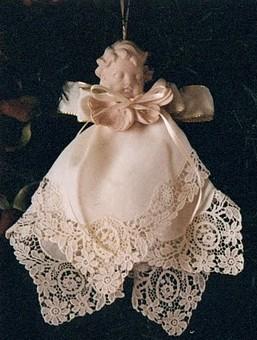 Decorating With Vintage Handkerchiefs And Diy Hankie Craft