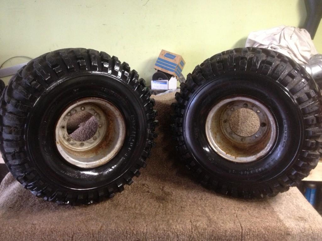 185 200 200M 200E 200ES Pair Rear Rims Wheels Tires 22 x 11 8