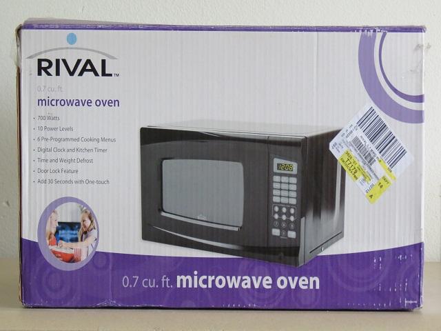 Rival 0 7 Cu Ft 700 Watt Digital Microwave Em720cwa Pmb