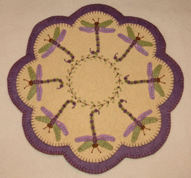 Penny Rug Delightful Daisies Wool Felt Candle Mat Kit Embroidery Kit Applique