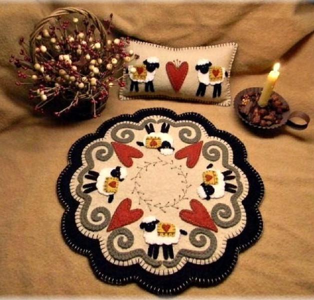 Penny Rug Snuggle Bunny Wool Applique Felt Mini Candle Mat Pin Cushion Kit