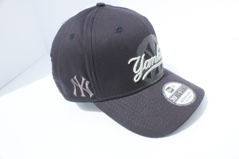 c0df2760a30 Oakley New York Yankees new Era MLB Core Classic 39THIRTY Cap Jet ...