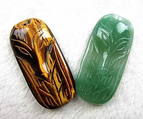 2PCS Beautiful mixed color different materials carved fox pendant bead Vk5137